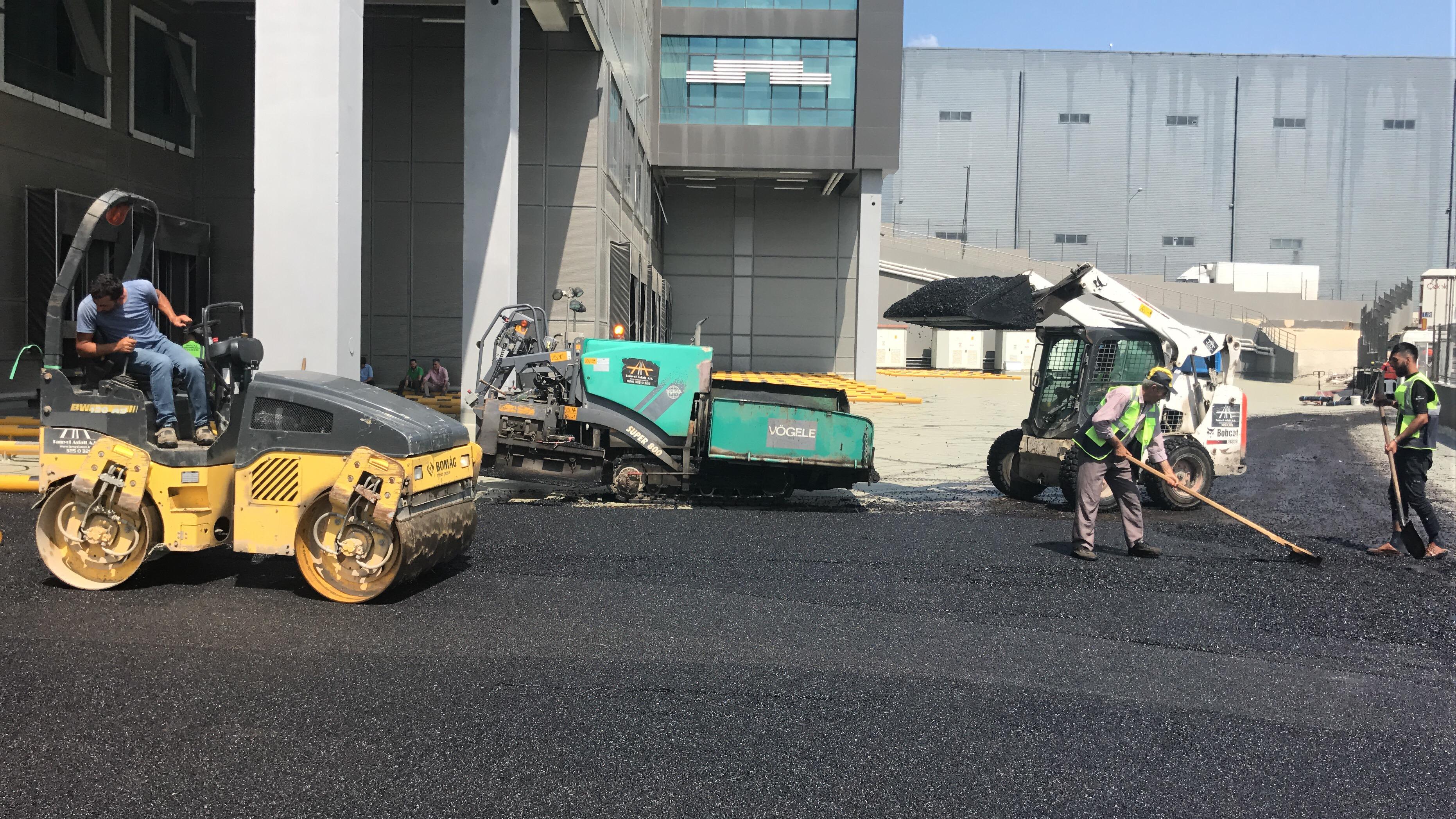 açık otopark asfalt